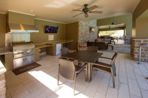 Apartments Woodlands TX WoodlandsLodge Outdoor Grills